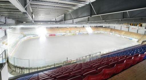Bid grosse Eishalle